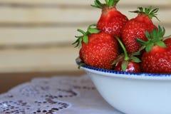 Φράουλα στο πιάτο Στοκ Εικόνες