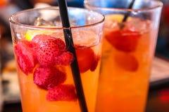 Φράουλα στο χυμό ασβέστη Στοκ Εικόνες