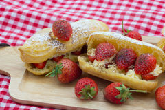 Φράουλα eclairs Στοκ Εικόνα