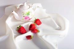 φράουλες ζωής ακόμα Στοκ Φωτογραφίες