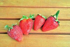 Φράουλες και πορτοκάλια Στοκ εικόνες με δικαίωμα ελεύθερης χρήσης