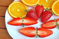 Φράουλες και πορτοκάλια Στοκ Φωτογραφία