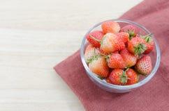 Φράουλες σε ένα κύπελλο Στοκ Φωτογραφία