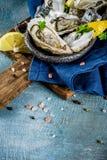 Φρέσκα ακατέργαστα θαλασσινά, στρείδια Στοκ Φωτογραφίες