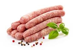Φρέσκα ακατέργαστα λουκάνικα κρέατος Στοκ εικόνες με δικαίωμα ελεύθερης χρήσης