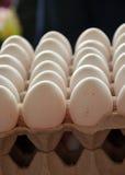 Φρέσκα αυγά σε μια αγορά Στοκ Φωτογραφία