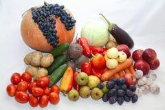 Φρέσκα λαχανικά και φρούτα Στοκ εικόνες με δικαίωμα ελεύθερης χρήσης