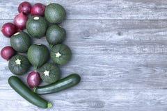 Φρέσκα λαχανικά σε ένα ξύλινο διάστημα πινάκων και αντιγράφων Στοκ Εικόνα