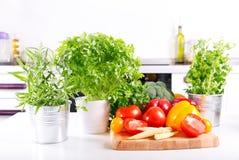 Φρέσκα λαχανικά στην κουζίνα Στοκ Εικόνα