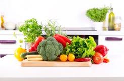 Φρέσκα λαχανικά στην κουζίνα Στοκ Φωτογραφία