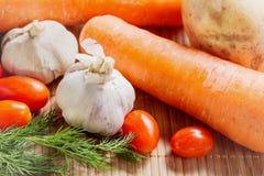 Φρέσκα λαχανικά στο επιτραπέζιο ύφασμα μπαμπού Στοκ Φωτογραφίες