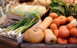 Φρέσκα βιο λαχανικά στην αγορά αγροτών στο Στρασβούργο, Γαλλία Στοκ φωτογραφία με δικαίωμα ελεύθερης χρήσης