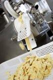 φρέσκα ζυμαρικά βιομηχανίας Στοκ Εικόνες