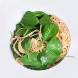 Φρέσκα ζυμαρικά spinachi στοκ εικόνες