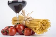 Φρέσκα ιταλικά ζυμαρικά σίτου, penne στοκ εικόνες
