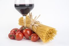 Φρέσκα ιταλικά ζυμαρικά σίτου, penne στοκ εικόνες με δικαίωμα ελεύθερης χρήσης
