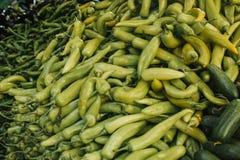 Φρέσκα και οργανικά λαχανικά στην αγορά αγροτών αγορά Φυσικά προϊόντα πάπρικα Πιπέρι Φυσικά τοπικά προϊόντα επάνω Στοκ Εικόνα