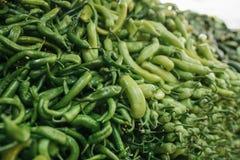 Φρέσκα και οργανικά λαχανικά στην αγορά αγροτών αγορά Φυσικά προϊόντα πάπρικα Πιπέρι Φυσικά τοπικά προϊόντα επάνω Στοκ φωτογραφίες με δικαίωμα ελεύθερης χρήσης