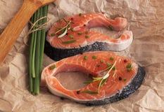 Φρέσκα κομμάτια των κόκκινων ψαριών Μπριζόλα σολομών Στοκ Εικόνα