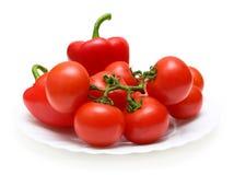 φρέσκα κόκκινα λαχανικά πιάτων Στοκ φωτογραφίες με δικαίωμα ελεύθερης χρήσης