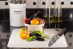 Φρέσκα λαχανικά κατ' ευθείαν από τον εγχώριο κήπο Στοκ Φωτογραφίες