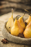 Φρέσκα οργανικά κίτρινα αχλάδια Στοκ φωτογραφίες με δικαίωμα ελεύθερης χρήσης