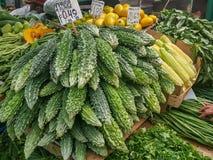 Φρέσκα οργανικά λαχανικά σε μια αγορά στοκ φωτογραφία με δικαίωμα ελεύθερης χρήσης