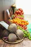 Φρέσκα οργανικά προϊόντα στην τοπική αγορά αγροτών Οι αγορές αγροτών ` είναι ένας παραδοσιακός τρόπος τα αγροτικά προϊόντα Στοκ Εικόνα