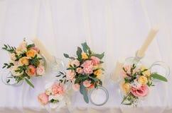 Φρέσκα λουλούδια, γαμήλιο ντεκόρ Στοκ Εικόνες