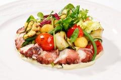 Φρέσκα σαλάτες και γεύματα θαλασσινών Στοκ εικόνες με δικαίωμα ελεύθερης χρήσης