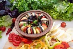 Φρέσκα τεμαχισμένα λαχανικά, πράσινα ratatouille κατανάλωση υγιής Στοκ φωτογραφία με δικαίωμα ελεύθερης χρήσης