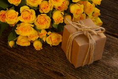 φρέσκα τριαντάφυλλα ανθ&omicron Στοκ Εικόνα