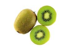 Φρέσκα φρούτα ακτινίδιων που απομονώνονται στο άσπρο υπόβαθρο Στοκ εικόνα με δικαίωμα ελεύθερης χρήσης