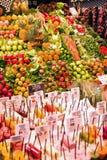 Φρέσκα φρούτα και λαχανικά στην αγορά Στοκ Εικόνα
