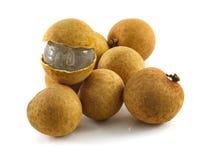 Φρέσκα φρούτα Longans που απομονώνονται στο λευκό στοκ εικόνες