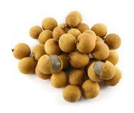 Φρέσκα φρούτα Longans που απομονώνονται στο λευκό στοκ φωτογραφία με δικαίωμα ελεύθερης χρήσης