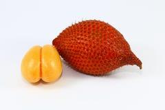 Φρέσκα φρούτα Salacca στο άσπρο υπόβαθρο Στοκ Φωτογραφία