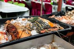 Φρέσκα ψάρια στην αγορά ψαριών στο Μπόρνεο Μαλαισία Στοκ φωτογραφία με δικαίωμα ελεύθερης χρήσης