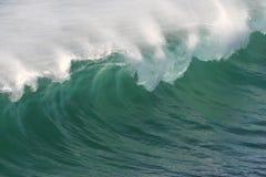 φρέσκα ωκεάνια κύματα ψεκ&a Στοκ Φωτογραφία