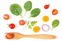 Φρέσκα ώριμα λαχανικά με το δίκρανο στο άσπρο υπόβαθρο, υγιής έννοια τροφίμων Στοκ εικόνα με δικαίωμα ελεύθερης χρήσης