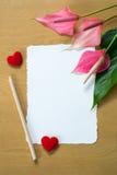Φρέσκα Anthurium λουλούδια και κενή κάρτα Στοκ φωτογραφία με δικαίωμα ελεύθερης χρήσης