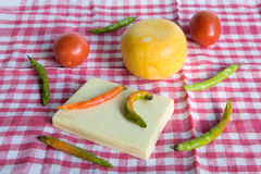 Φρέσκα homegrown πιπέρι και τυρί στοκ φωτογραφία με δικαίωμα ελεύθερης χρήσης