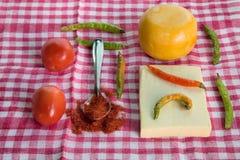 Φρέσκα homegrown πιπέρι και τυρί στοκ εικόνα με δικαίωμα ελεύθερης χρήσης