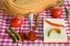 Φρέσκα homegrown πιπέρι και τυρί στοκ εικόνες με δικαίωμα ελεύθερης χρήσης