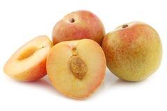 Φρέσκα pluots (armeniaca salicina × Prunus) Στοκ Φωτογραφία