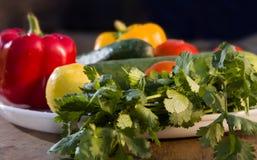 Φρέσκα vegetbles στο πιάτο στοκ φωτογραφία με δικαίωμα ελεύθερης χρήσης