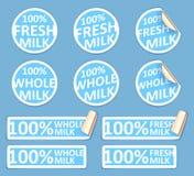 Φρέσκες αυτοκόλλητες ετικέττες ολόκληρου γάλακτος καθορισμένες Στοκ εικόνες με δικαίωμα ελεύθερης χρήσης