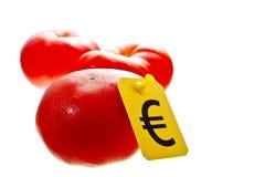 Φρέσκες κόκκινες ντομάτες για το ευρώ στοκ φωτογραφία