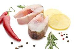 Φρέσκες μπριζόλες ψαριών στο υπόβαθρο Στοκ Φωτογραφίες