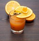 φρέσκες πορτοκαλιές φέτες χυμού Στοκ Φωτογραφία